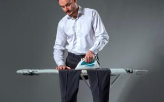Как погладить брюки со стрелками утюгом?