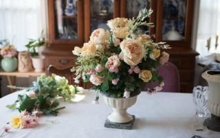 Искусственные цветы – достойное украшение интерьера, несмотря на суеверия