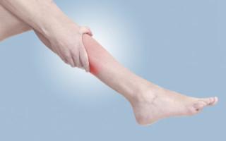 В чем причина и что делать, когда ноги сводит судорогой
