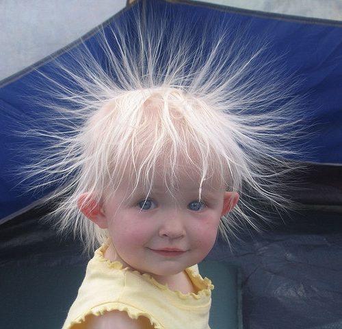 Почему волосы электризуются