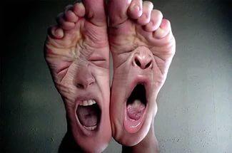 Почему сводит пальцы ног