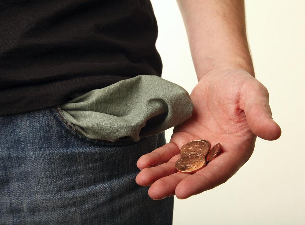 у мужчины нет денег