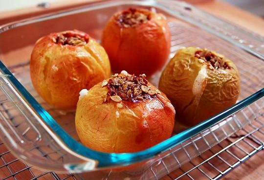 яблоки, запеченные с медом