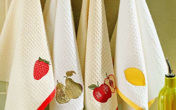 Стирка кухонных полотенец с помощью масла
