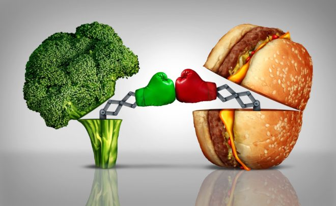 Здоровая пища против вредной