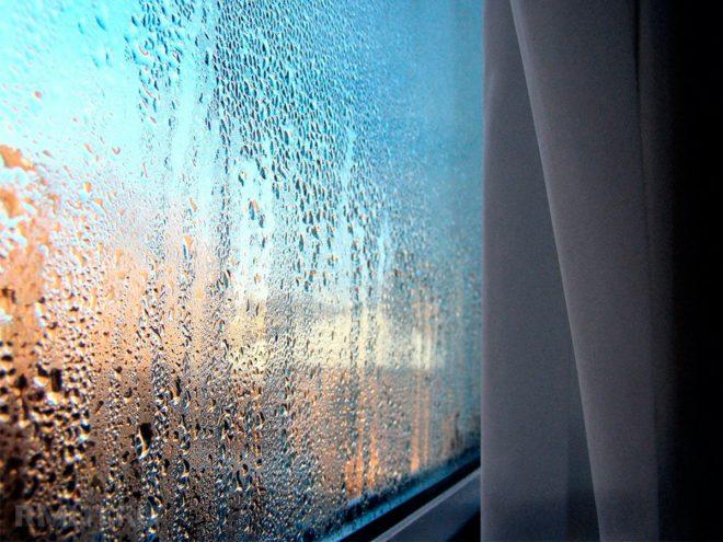 запотели окна