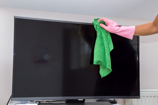 уборка телевизора